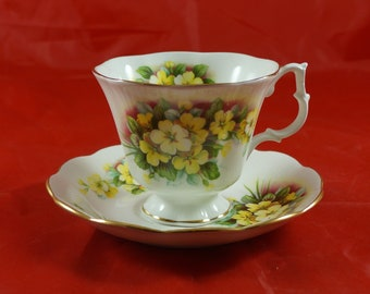 ROYAL ALBERT Fine Bone China Cup and Saucer Yellow FLOWERS