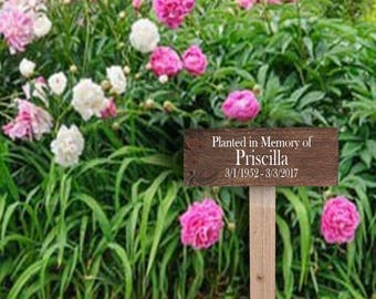 Memories of Mom Sign - Memories of Dad Sign - Memories Sign - Memories Wood Sign - Planted in Memory of - Garden Decor - Personalized