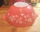 Vintage Pyrex Pink Gooseberry 444 Cinderella Mixing Bowl - 4 Quart