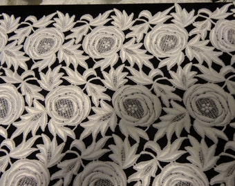 Venise Lace in White Rayon