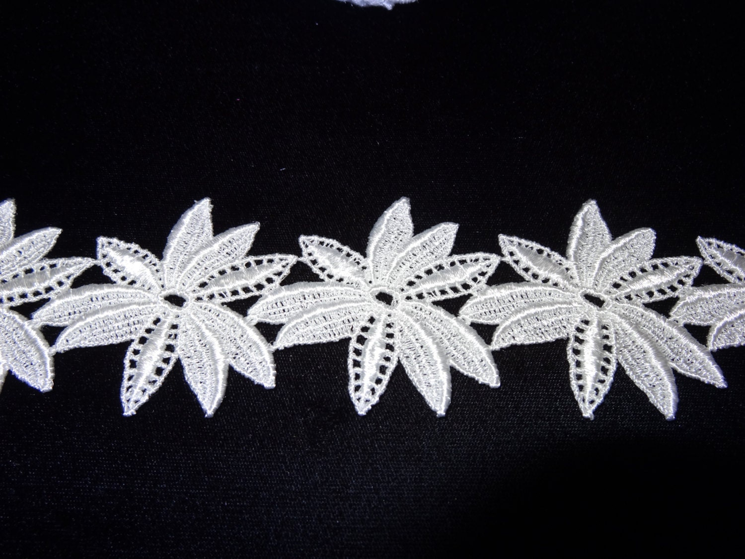 Venise Lace Flowers Sold By The Yard Etsy