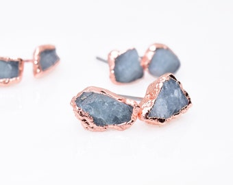BLUE TOPAZ Studs / Blue Topaz Earrings // crystal earrings / raw Topaz earrings / Rough Topaz / Raw Topaz Studs / Minimalist / Blue Topaz