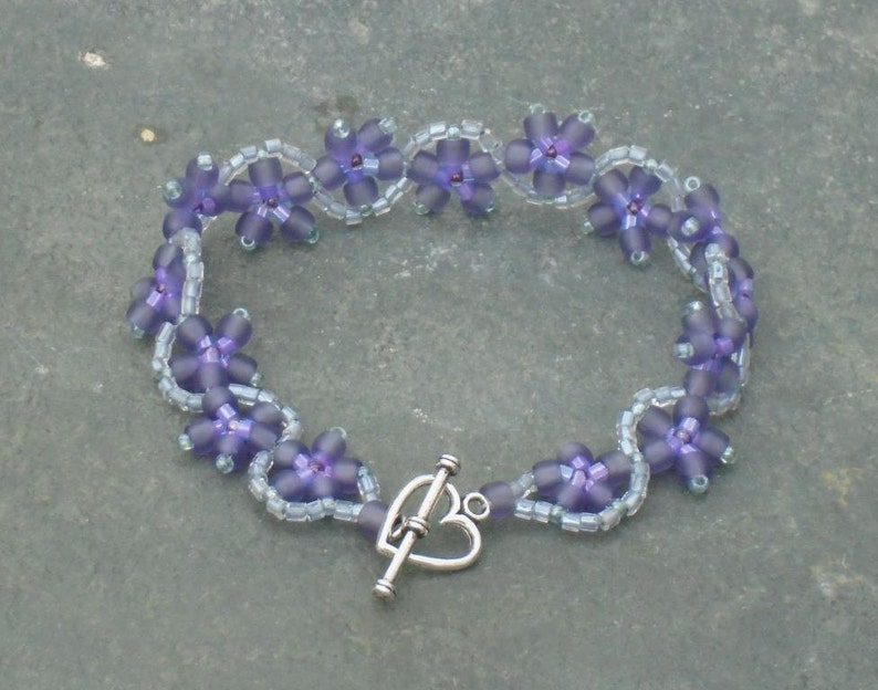 Periwinkle Flower Bracelet Seed Bead Bracelet in frosted lavender and colourlined violet and silver Czech seed beads UK seller