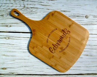 Last Name Custom Pizza Peel, Bamboo, Laser Engraved, Personalized Pizza Peel, Pizza Tray, Pizza Paddle, Pizza Gift, Kitchen, Closing,Wedding