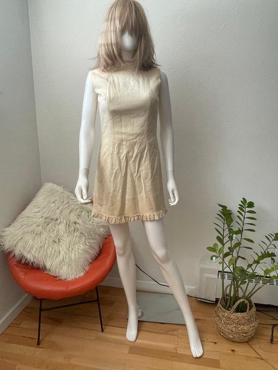 Spring/fall/ wedding mod mini dress