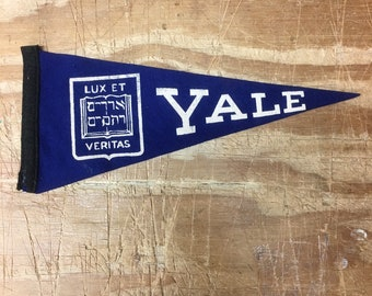 6725df3ce7b0c8 1950's Vintage yale bulldogs Ivy League college University MINI Pennant  Flag Banner 3.75x8.75 inches