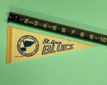 Vintage Saint St. Louis Blues NHL hockey MINI Pennant Flag Banner 4x9.5 inches