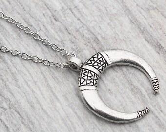 Bohemian Crescent Moon Necklace // Double Horn Necklace // Hippie // Gypsy // Boho // Bohemian // Cute Necklace // Jewelry // Moon // Lunar