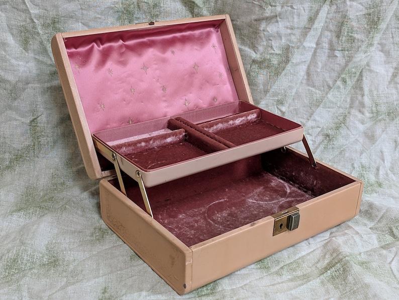 Genuine Texol Plain Boston Massachusetts Vintage Beige Farrington Steel Jewelry Storage Box Gold Detailing Single Shelf Silk Liner Interior