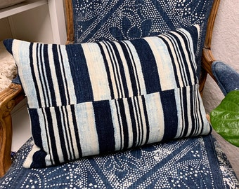 Mud cloth stripe pillow, Vintage African mudcloth pillow, lumbar Mud Cloth Pillow Cover
