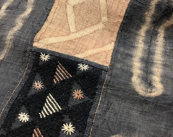 Kuba Cloth, Vintage, Authentic, Hand made, Ngongo Tie-Dyed Rafia Fabric, 176 x 21 inches