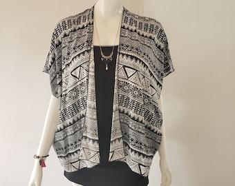 Soft and light kimono- aztec pattern- black and white