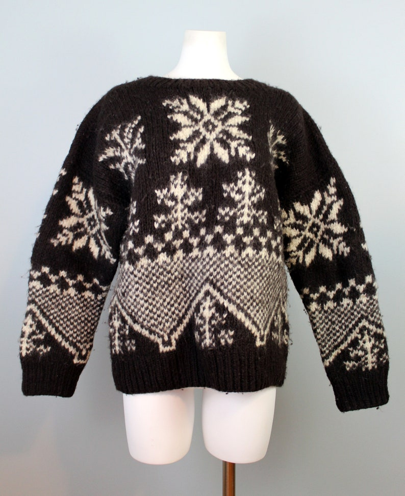 308d18b97cf6dd Vintage Gap Sweater Hand Knit Thick Wool Sweater Snowflake