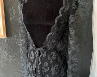 Victorian inspired robe in vintage black lace