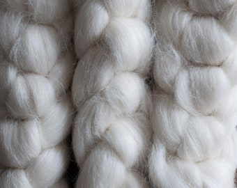 Undyed Alpaca Polwarth blend top, UK processed, UK and New Zealand sourced, 22 microns, 100 gram bumps