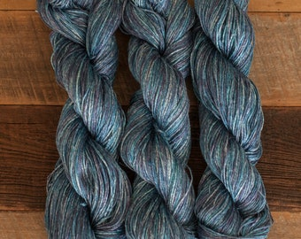 Semi-tonal Blue Ramie/Hemp/Bamboo blend (70/15/15) DK weight yarn, 290 m/100 grams, milled in Italy, mill end