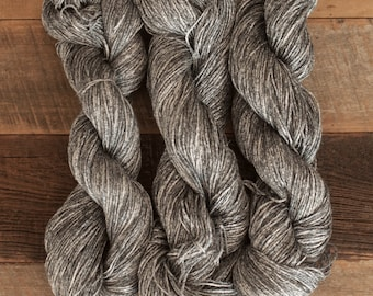 Heathered Grey Ramie/Hemp/Bamboo blend (70/15/15) DK weight yarn, 290 m/100 grams, milled in Italy, mill end