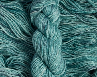 "Curlew ""Glacial"" 100% merino wool yarn, bulky weight, 105 yards, 100 grams, 2 ply, non-superwash"