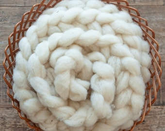 Undyed Corriedale roving, single sheep, Canadian raised and milled, spinning fibre, 100 gram bumps