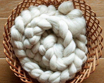 Undyed Natural oatmeal Andean Mountain wool top, Peru sourced, UK milled, spinning fibre, 100 gram bumps, 26 microns