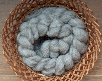 Undyed Natural grey Suffolk wool top, UK grown and milled, spinning fibre, 100 gram bumps