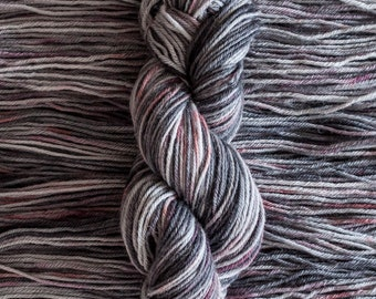 "Heron ""Cinder"" – 26.5 micron wool/alpaca (70/30) worsted weight yarn, 240 yards, 100 grams, 4 ply, milled in South America, non SW"