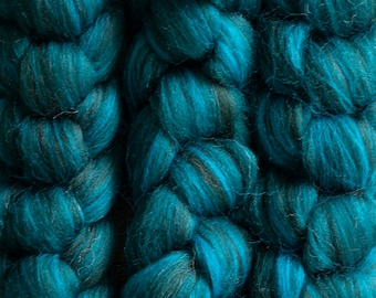 Falklands Merino Zwartbles blend dyed top, shades of turquoise, teal, and black, Blue Spruce, 100 gram bumps