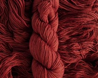 "Robin DK ""Sumac"" - hand-dyed 100 % BFL wool yarn, 250 yards/115 grams, 3 ply, non-superwash"