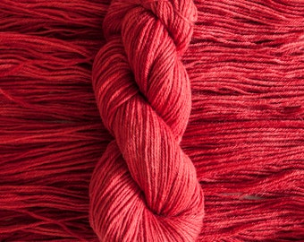 "Heron ""Geum"" – 26.5 micron wool/alpaca (70/30) worsted weight yarn, 240 yards, 100 grams, 4 ply, milled in South America, non SW"