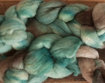 Hand Dyed BFL (Blue Faced Leicester) Top 100 grams (2 bumps), Spruce green and Cool Brown