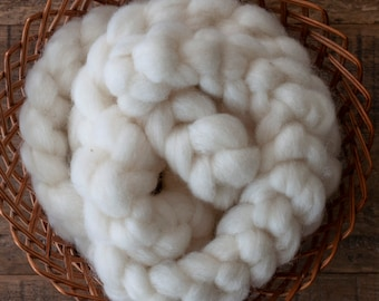 Undyed natural white wool mohair blend pindrafted roving, Canadian grown and spun, 100 or 150 gram bumps