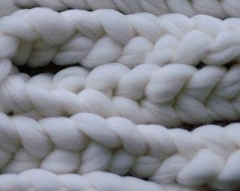 Undyed Targhee wool combed top, 100 gram bumps, hand spinning fibre