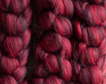 Organically Farmed Falklands Merino Zwartbles blend dyed top, shades of red and black, Pomegranate, 100 gram bumps