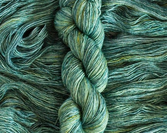 "Merlin ""Frog Song"", merino/silk (70/30) fingering weight yarn, single ply, 435 yards, 100 grams, superwash"