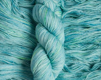 "Feather ""Aquamarine"" – 100% 17 micron merino wool yarn, fingering weight, 400  yards, 115 grams, 2 ply, milled in Canada, superwash"