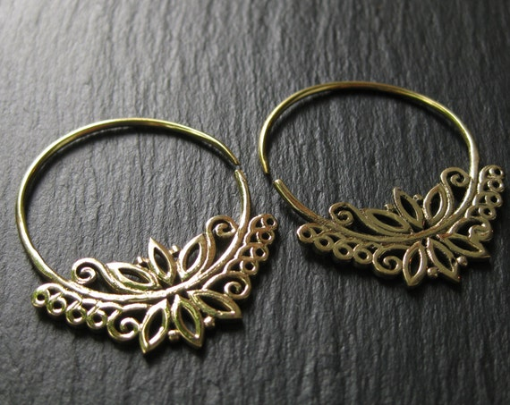 Flower Hoops Brass Earrings . Endless Hoops Floral Design . Gauge Hoops . Threader Spiral Earrings . Botanical Jewelry. FREE SHIPPING Canada