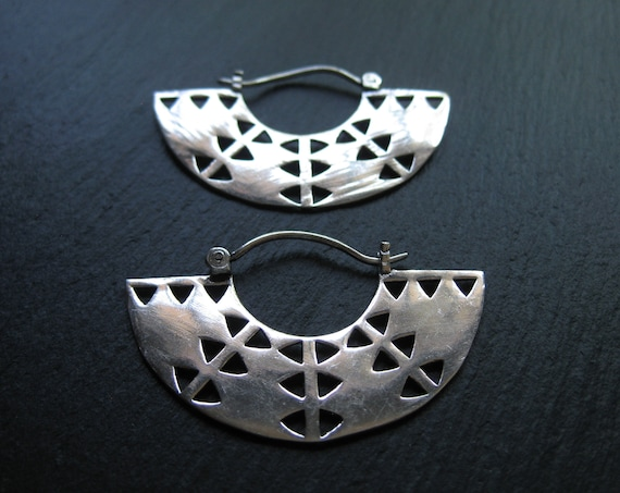 Geometric Disc Earrings . Silver Statement Hoops . FREE SHIPPING CANADA