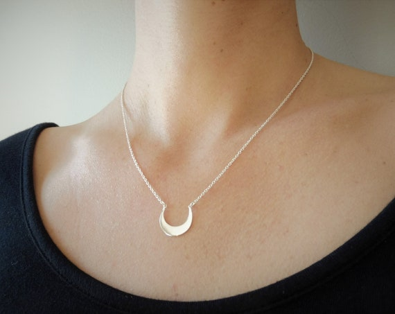 Dainty Moon Crescent Necklace . Silver 925 . Small Moon Necklace Minimalist Jewelry for Women and Girls . FREE SHIPPING CANADA