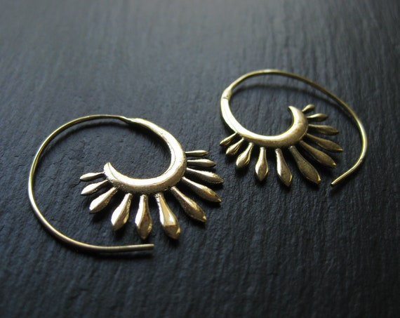Small Spiral Threader Hoop Earrings . Brass Gold Boho Chic Jewelry . FREE SHIPPING Canada