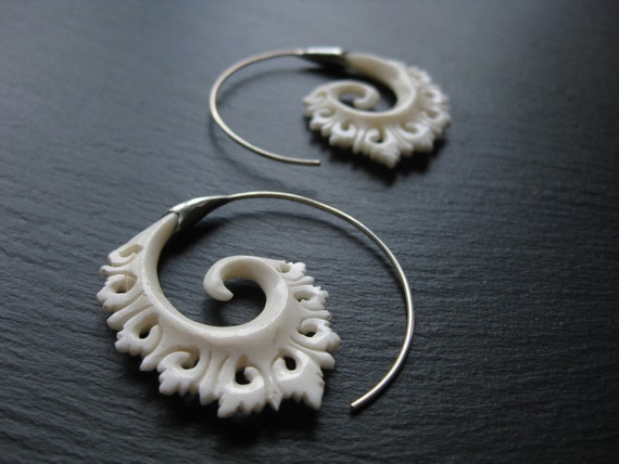 Carved Bone Sterling Silver Spiral Earrings . Threader Hoop Earrings . Handcarved Bone + Silver 925 . Ethnic Festival Jewelry Festival