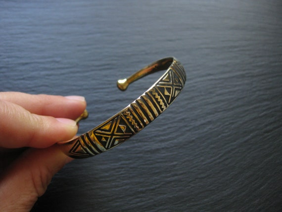 Solid Brass Cuff Bracelet with Tribal Black Geometric Handstamped Patterns . Ethnic Jewelry . Unisex Bracelet . FREE SHIPPING in CANADA