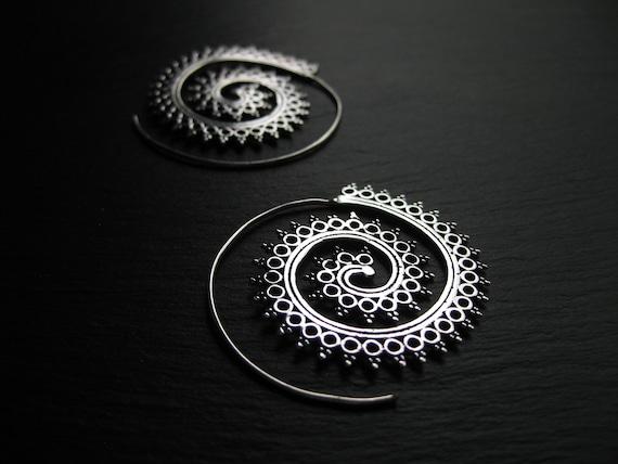 Mandala Spiral Earrings . Silver Threader Hoops . sBoho Hippie Chic Jewelry . Infinity Earrings . Ethnic Jewellery . FREE SHIPPING Canada