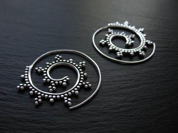 Spiral Earrings Silver Plated . Theader Hoops . Exotic Lightweight Earrings . Dotted Earrings . Ethnic Jewelry . FREE SHIPPING CANADA