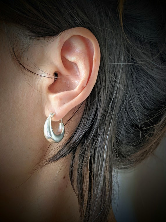 Small Chunky Tube Hoops . Unisex Earrings . Silver plated . Minimalist Earrings . Simple Hoops . FREE SHIPPING in CANADA