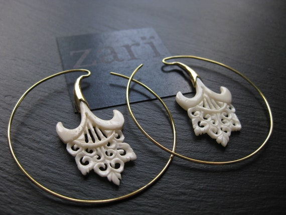 Floral Handcarved Bone + Brass Hoop Earrings . Organic Natural Jewelry . Wedding Statement Earrings . FREE SHIPPING CANADA . zarishop