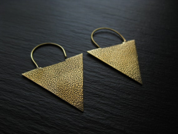 Textured Triangle Brass Hoops Earrings . Geometric Handcrafted Jewelry . Modern Minimalist Bold Rocker Jewellery . FREE SHIPPING CANADA
