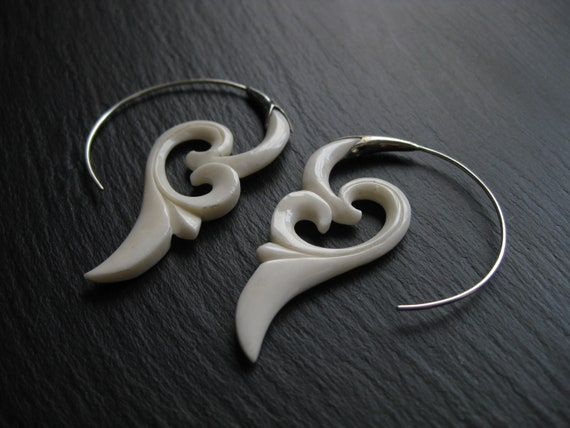 Exotic Sterling Silver Spiral Earrings . Threader Hoop Earrings . Handcarved Bone + Silver 925 . Ethnic Festival Floral Jewelry