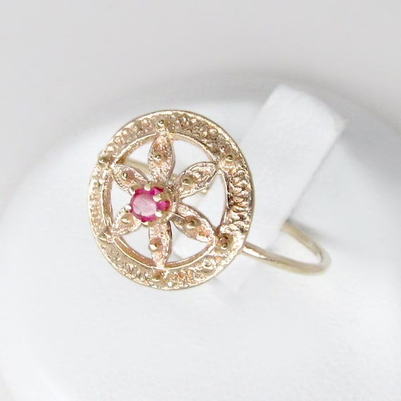 ruby ring, gold ruby ring, starfish ring, starfish
