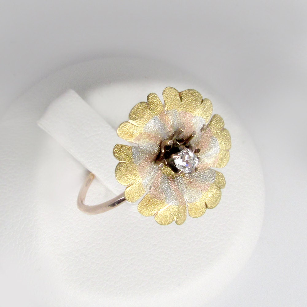 Diamond flower ring antique diamond ring rose gold diamond flower diamond flower ring antique diamond ring rose gold diamond flower ring 14k gold daisy ring daisy diamond ring art deco flower ring izmirmasajfo