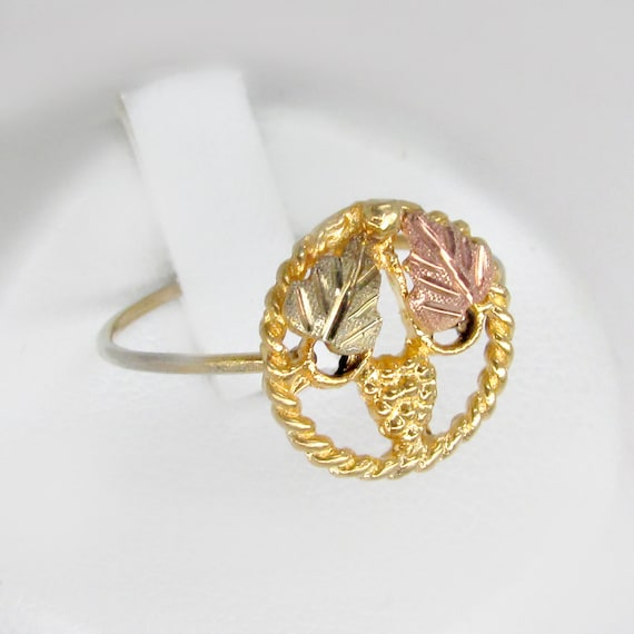 18k gold ring, tri-color gold, grapevine ring, cir